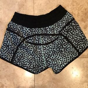 Lululemon Tracker Shorts sz6